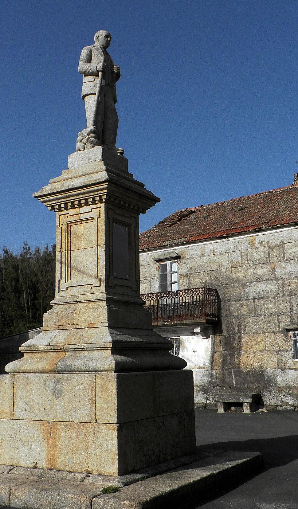 Estatua de Manuel Barreiro Cabanelas en Covelo, A Lama