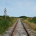FR 17 Cozes - Ligne ferroviaire de Pons à Saujon - Approche d'un passage à niveau.jpg