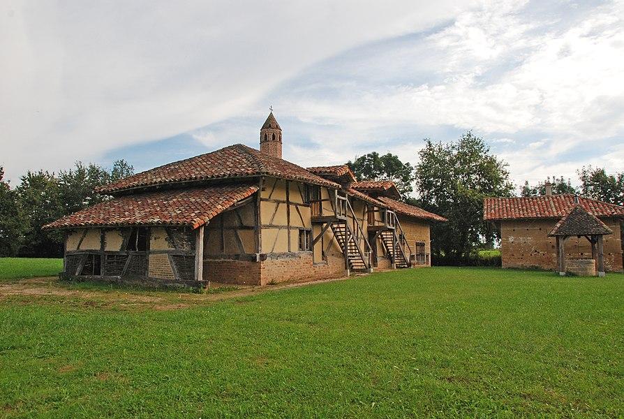 Ferme de la Grange du Clou, Allée du Clou (Classé, 1994)