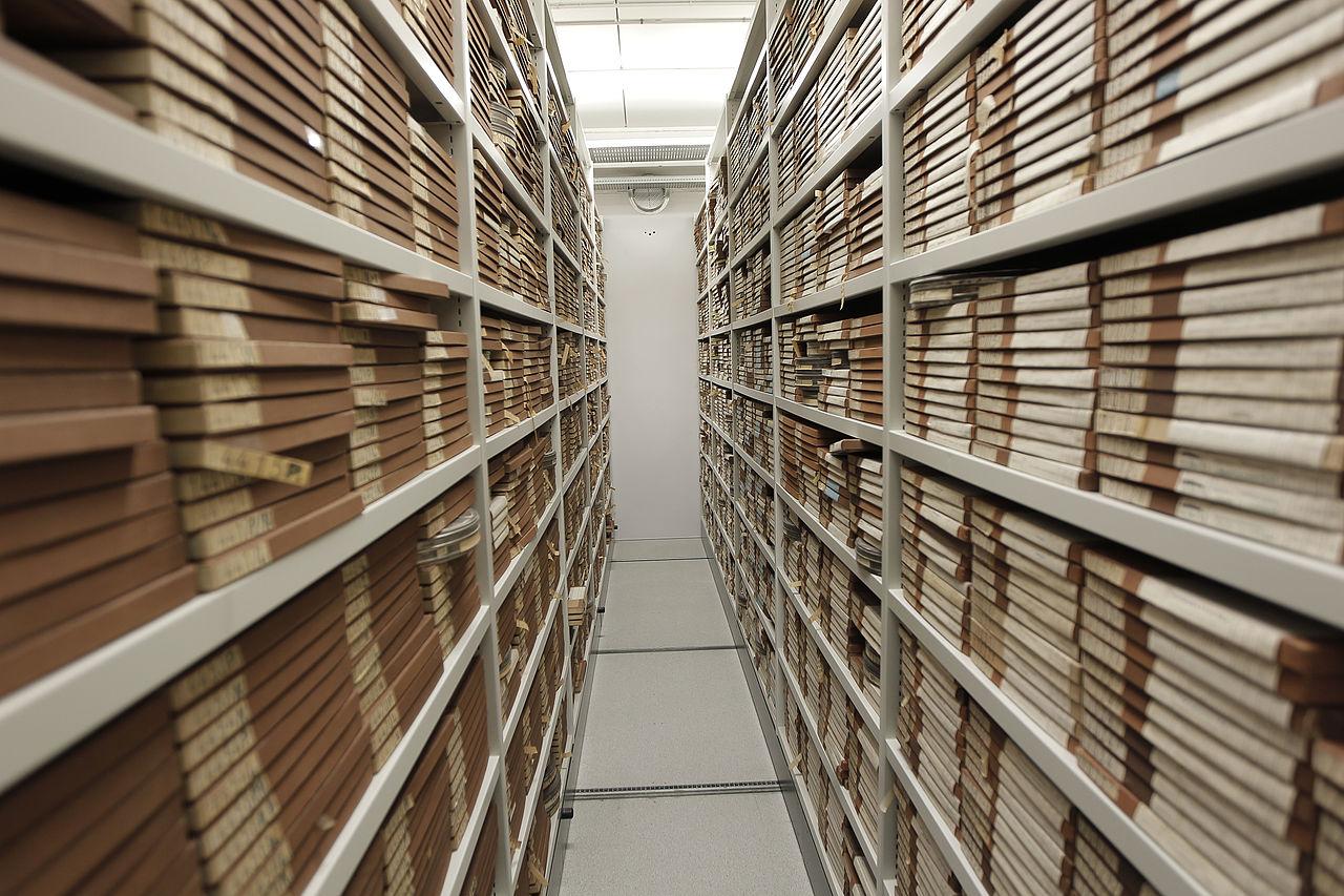 FileFilm archive storage 20.jpg   Wikimedia Commons