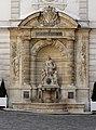 Fontaine hotel Cail Paris 8.jpg