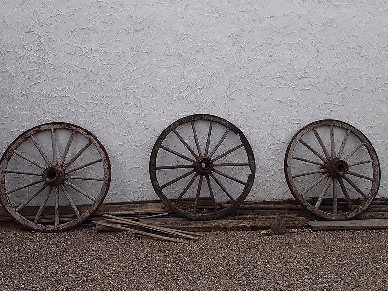 File:Fort Hall Replica, Three Wagon Wheels, Pocatello ID.jpeg