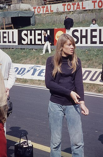 Françoise Hardy - Françoise Hardy during the filmmaking of Grand Prix on the Circuit de Charade in August 1966.