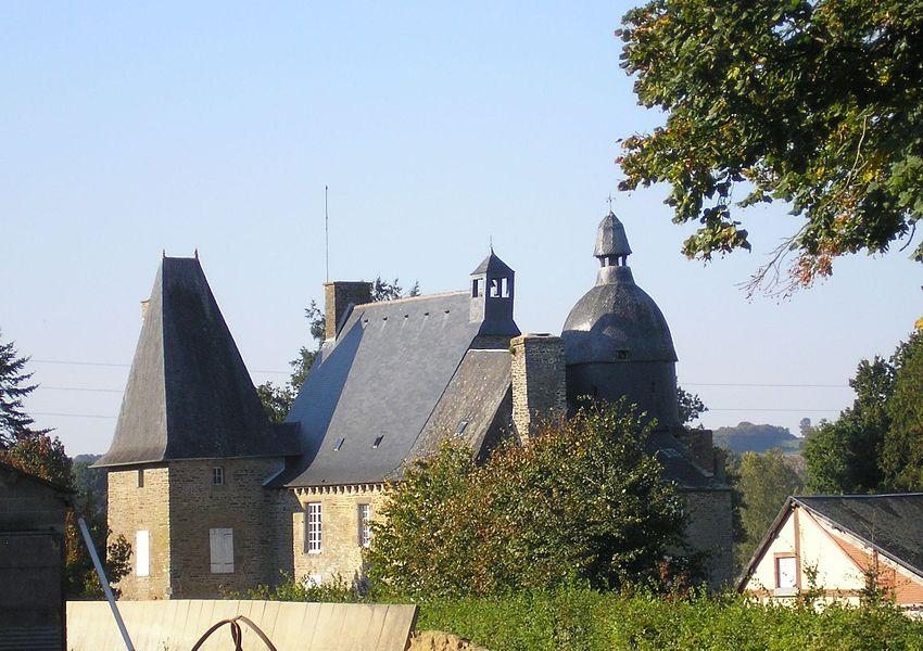 Le Mesnillard (Normandie, France). Le château de la Faucherie (Classé).
