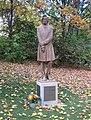 Frederic Chopin Statue Dichtergarten Muenchen-1.jpg