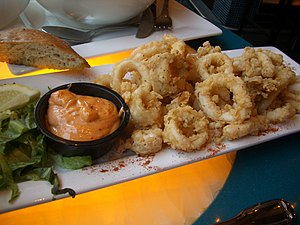 A photograph of Fried calamari (squid).