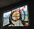 Friedhofshalle Trauerhalle Glasmalerei Sauerthal.jpg