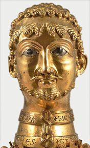 Cappenberger Barbarossakopf, portrait bust (head reliquary) of Emperor Friedrich I. Barbarossa.  Gilded bronze, around 1160. Collegiate Church of St. Johannes Evangelist zu Cappenberg (59379 Selm, NRW, D)