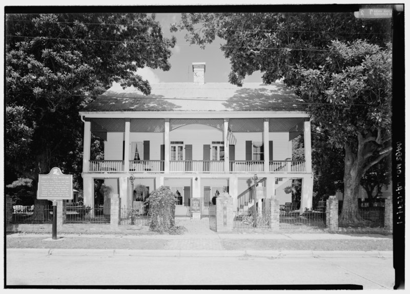 File:Front elevation - Kate Chopin House, State Highway 495, Cloutierville, Natchitoches Parish, LA HABS LA,35-CLOU,1-1.tif