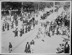 Funeral of Queen Kapiolani (PP-25-10-020).jpg