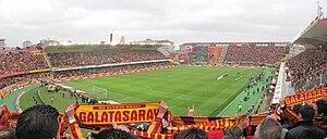 Ali Sami Yen Stadium - Image: Galatasaray Fenerbahçe 12.04.2009