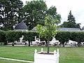 Gardens at Chateau Chenonceau (3724237573).jpg