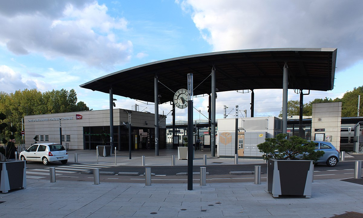Gare d 39 merainville pontault combault wikip dia for Garage de la francilienne pontault combault