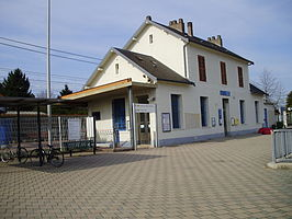 Gare de Bouray 01.jpg