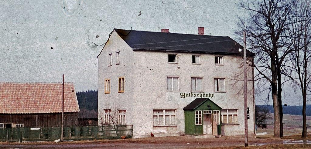 File:Gaststätte ^ Pension \'Waldschänke\' vor 1960 - panoramio.jpg ...