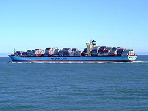 Georg Maersk p05, leaving Port of Rotterdam, Holland 04-Aug-2007.jpg