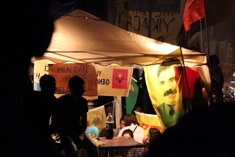 File:Gezi parkı 2013-06-08 (40).jpg