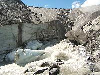 Foz da geleira de Schlatenkees perto de Innergschlöß, Áustria.