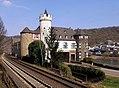 Gondorf, Schloss von der Leyen, Bahnseite.jpg