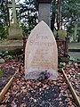 Grave of Jean Simmons.jpg