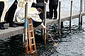 Grosse Wasserweihe, orthodoxer Priester segnet das Wasser.jpg