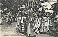 Groupe de féticheuses (Dahomey) (2).jpg