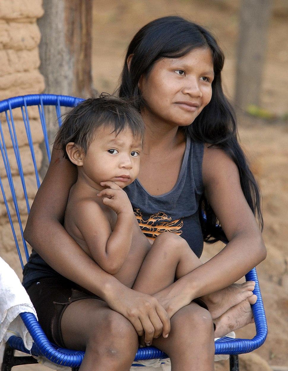 Guajajaras (mãe e filho)