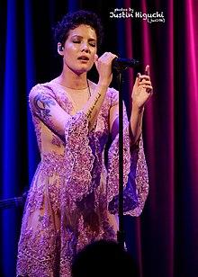 Halsey (cantante) - Wikipedia