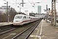 Hamburg-Altona ICE 1 402 009 als ICE 587 naar München Hbf (24030452845).jpg