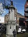 Hardstenen pomp aan het Munsterplein, Roermond.jpg
