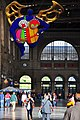Hauptbahnhof Zürich - l'ange protecteur (Niki de Saint Phalle) 2012-08-26 18-31-06 ShiftN.jpg