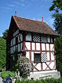Haus im Schlosspark Buonas.JPG