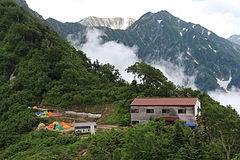 Hayatsukikoya and Campsite.JPG