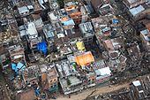 Luchtfoto van verwoeste gebouwen na de aardbeving in Nepal