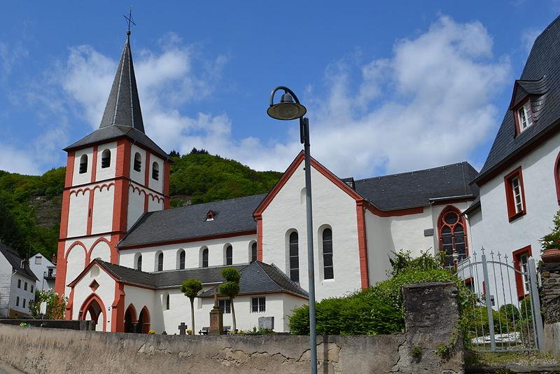 File:Hirzenach - Bartholomeüskerk.jpg