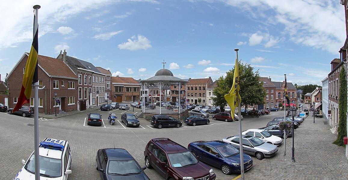 Gemeenteplein in Hoegaarden, België