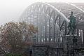 Hohenzollernbruecke bei Nebel.jpg