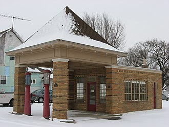 National Register of Historic Places listings in Howard County, Indiana - Image: Hy Red Gasoline Station front and western side