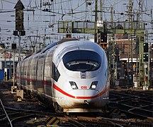 ICE 3 K%C3%B6ln Hauptbahnhof 2015-12-17-03