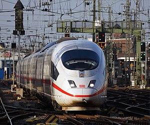 Siemens Velaro - Image: ICE 3 Köln Hauptbahnhof 2015 12 17 03