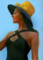 Inca Kola Advertisement Hartog Bell (cropped).png