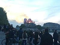 Incendie Notre Dame 20h53.jpg