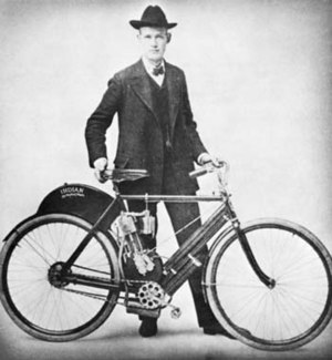 Indian Motocycle Manufacturing Company - Oscar Hedstrom with the first prototype of Indian