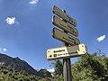 Indicaciones de senderos (44251922104).jpg