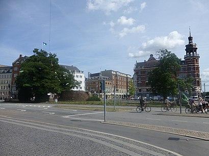 Sådan kommer du til Jarmers Plads med offentlig transport – Om stedet