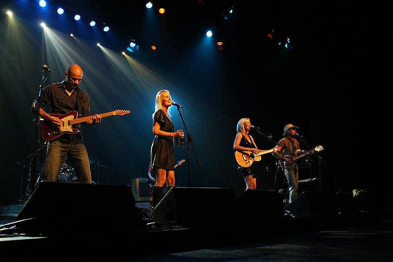 File:Jetty Road concert.jpg