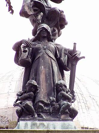 Victoria Monument, Liverpool - Image: Justice statue, Victoria Monument, Liverpool