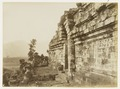 KITLV 29214 - Kassian Céphas - Stair and gate Borobudur - 1890-1891.tiff