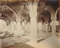 KITLV 91991 - Samuel Bourne - Interior of a building in Delhi India - Around 1860.tif