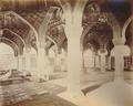 KITLV 91991 - Samuel Bourne - Interior of a building in Delhi India - Around 1860.tif